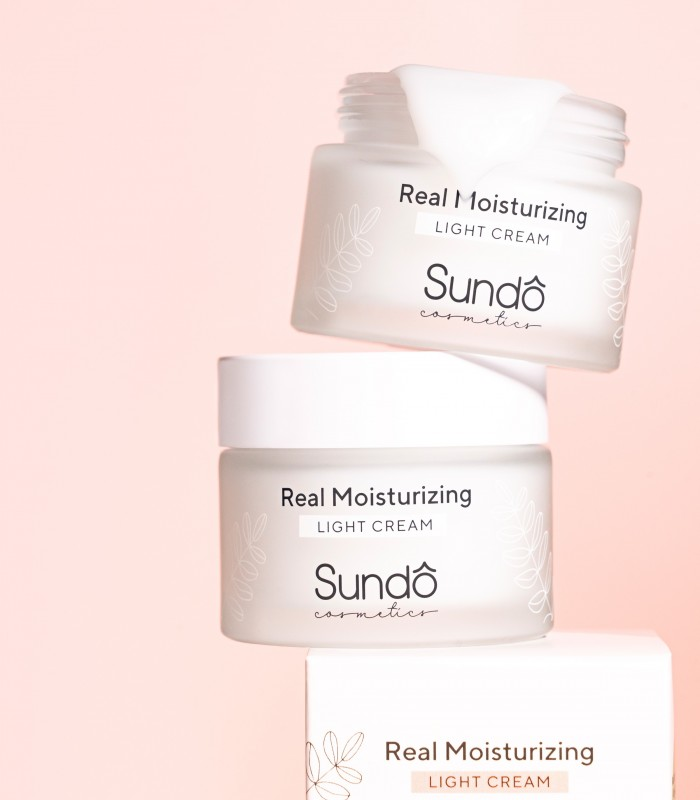 Real Moisturizing Light Cream